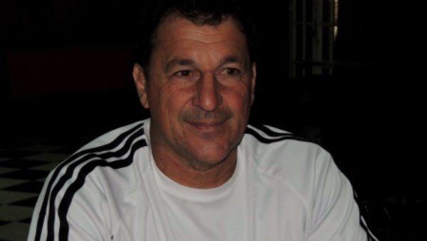 Prof Gustavo Santilli, coordinador de Tenis en Club San Maritn