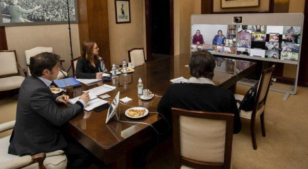 Reunion virtual del Gobernador Kicillof con gremios