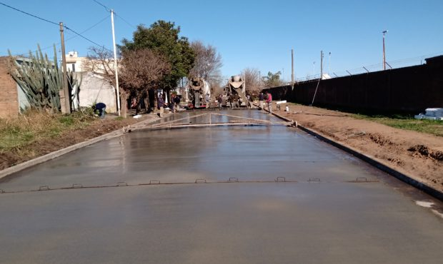 Pavimentación que se lleva adelante en Barrio El Santo