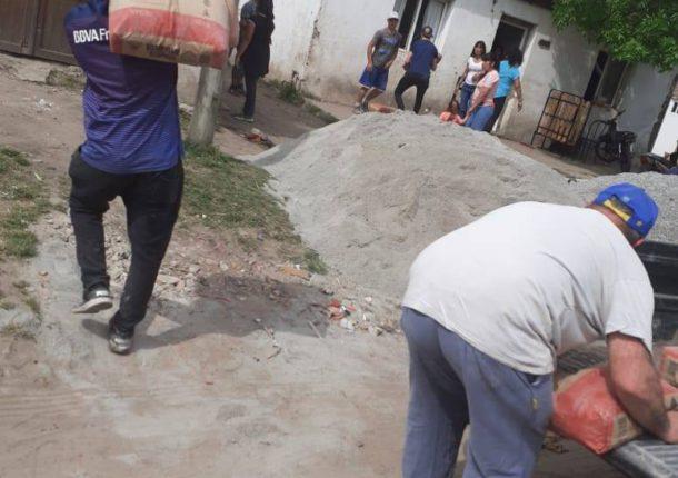 Ayer jueves vecinos donaron materiales, pero se requiere mas