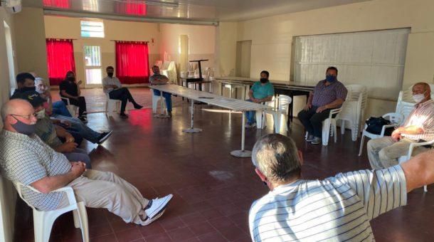 Reunion de Merlo con productores y vecinos de Morea