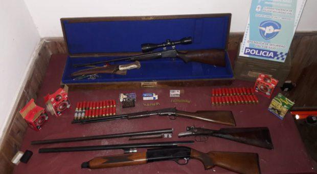 Armas secuestradas por Policia Vial 9 de Julio