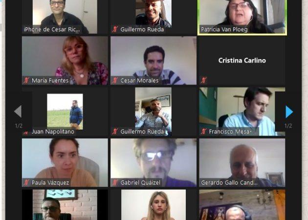 Asistente a la entrega virtual de la donación para el CEPT El Chaja