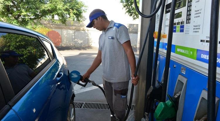 Insaciable: YPF volvió a aumentar los combustibles