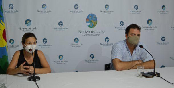 Gentile y Barroso dejando su mensaje a la comunidad