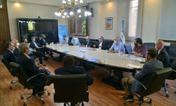 Reunion del Gobierno e integrantes del CAA