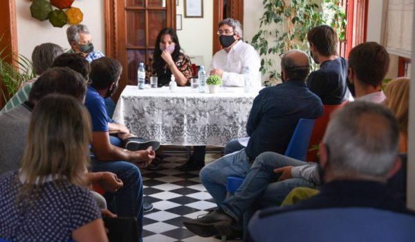 Rodriguez en Tandil con productores porcinos