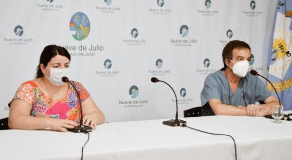 Dra Pirotta y Dr Zapata en conferencia de prensa