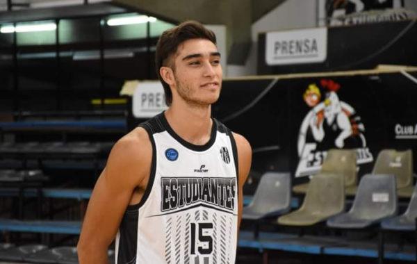 Fermin Callegaro es uno de los tres juveniles del CAE olavarriense