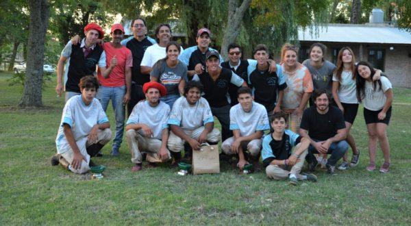 Jugadores y familia tras la finalizacion del torneo