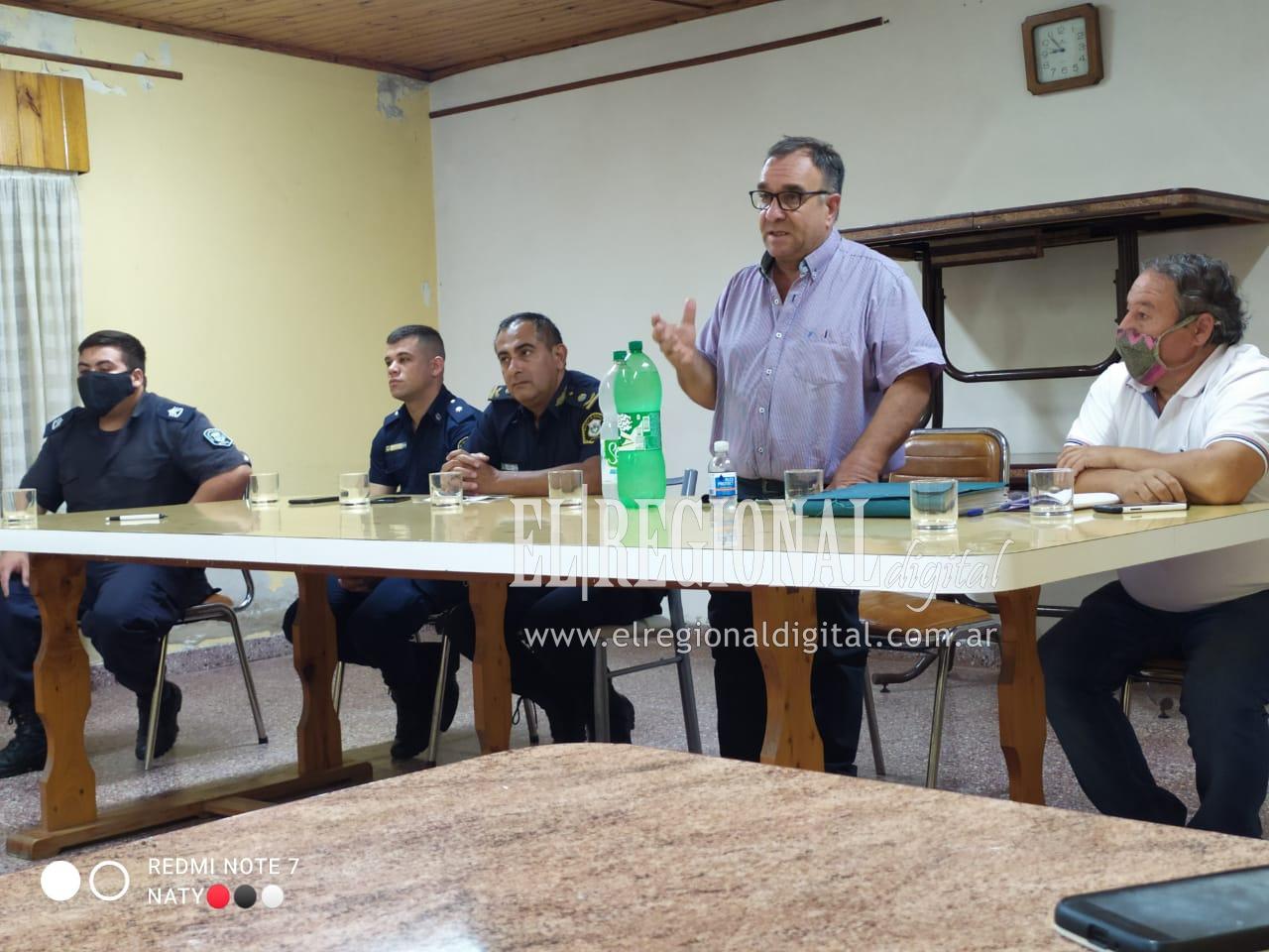 Inseguridad: Vecinos de La Niña expusieron su preocupación de inseguridad ante funcionarios municipales y de Policía
