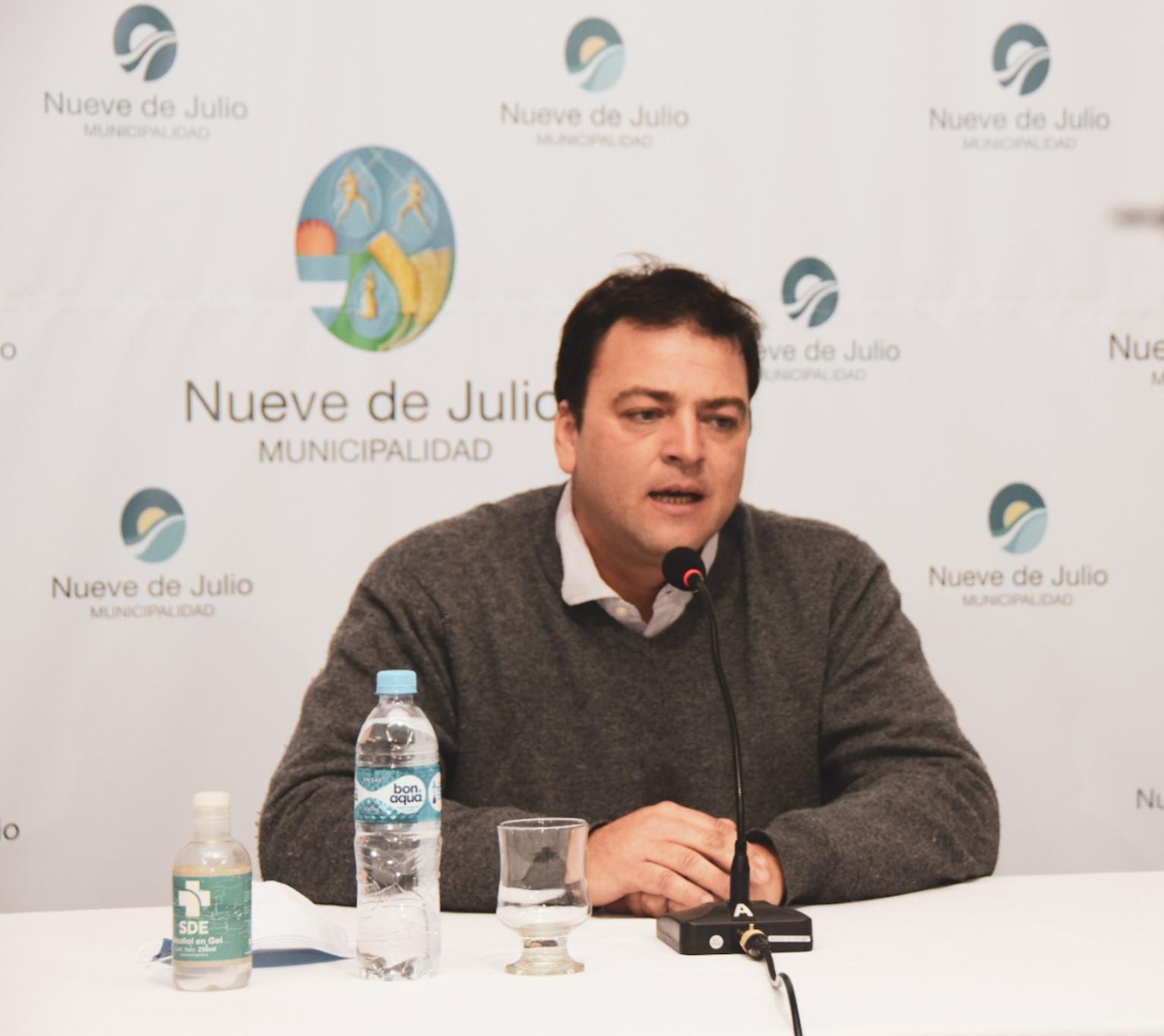 El Intendente Barroso habilito que Natatorios, Iglesias y el Cine funcionen cumpliendo protocolos